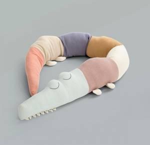 Bilde av SEBRA - Strikket Pute Sleepy Croc Daydream