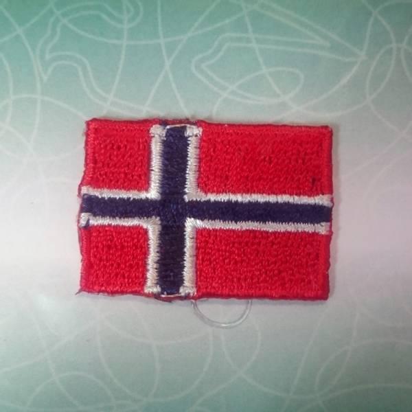 Bilde av Symerke med lim på, norsk flagg 23 x 35 mm