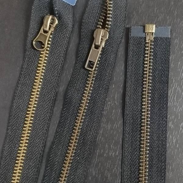 Bilde av Metall glidelås, delbar, sort, gammel messing