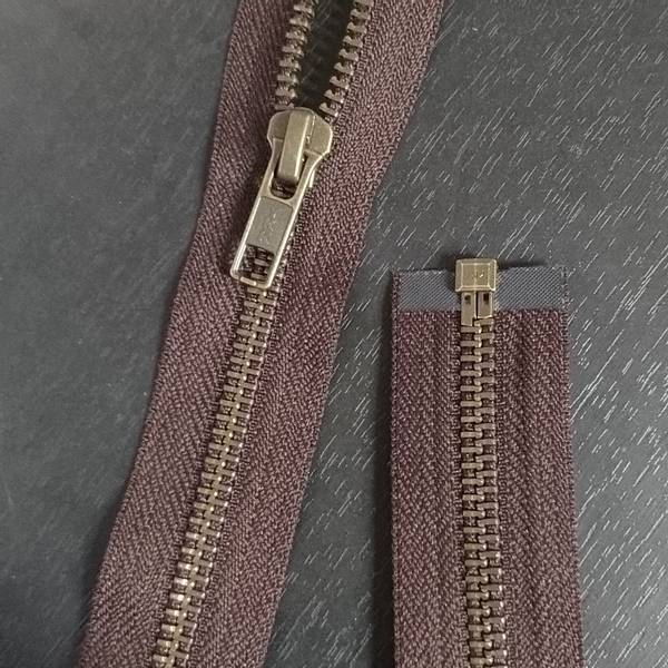 Bilde av Metall glidelås, delbar, brun, gammel messing