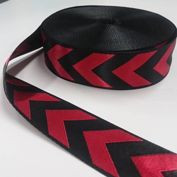 Bilde av Glansete polyesterbånd, 38 mm, piler - rød-sort