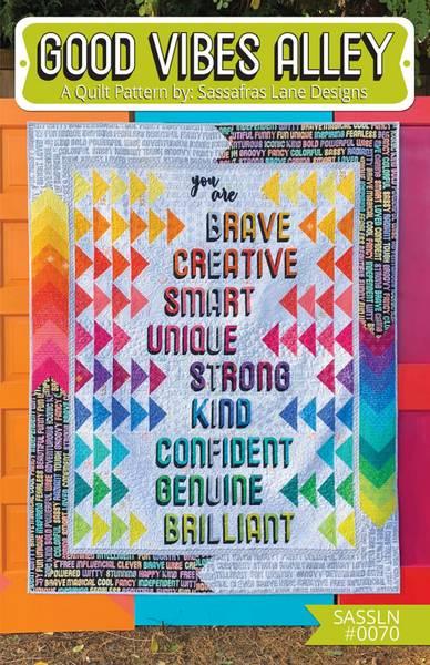 Bilde av Good Vibes Alley - oppmuntrende teppe-mønster m bokstaver