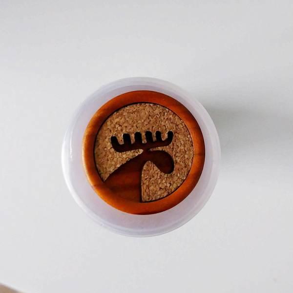 Bilde av Elg-knapp, 28 mm, tre & kork - cognac