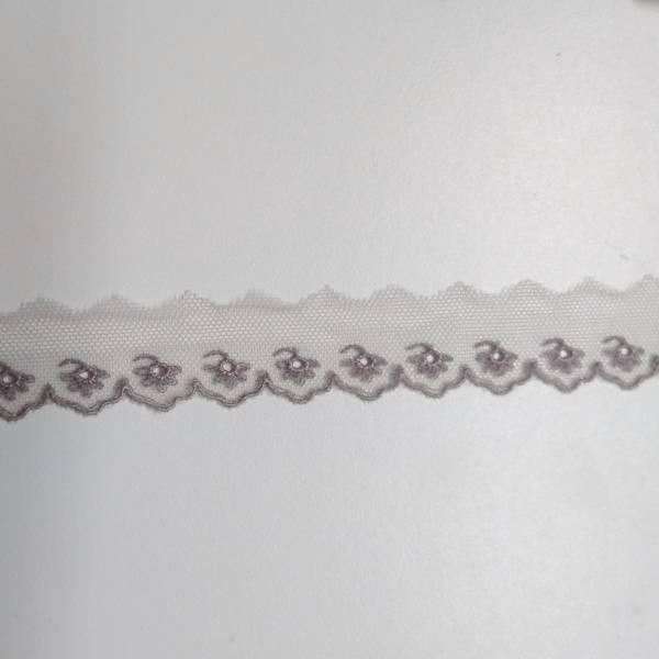 Bilde av 2,3 m Fast blonde m. brodert kant, 2,2 cm, mørk gammelrosa