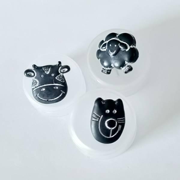 Bilde av Knapp, plast, sort-hvit, katt, ku og sau