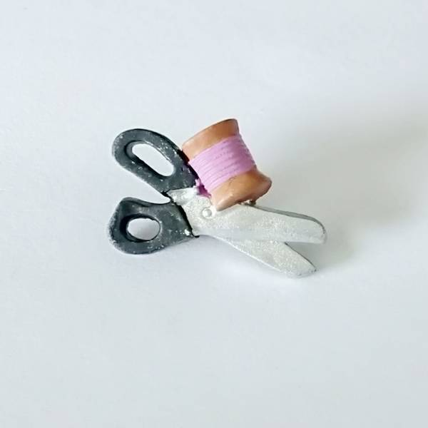 Bilde av Pynteknapp, saks og trådsnelle - 26 mm