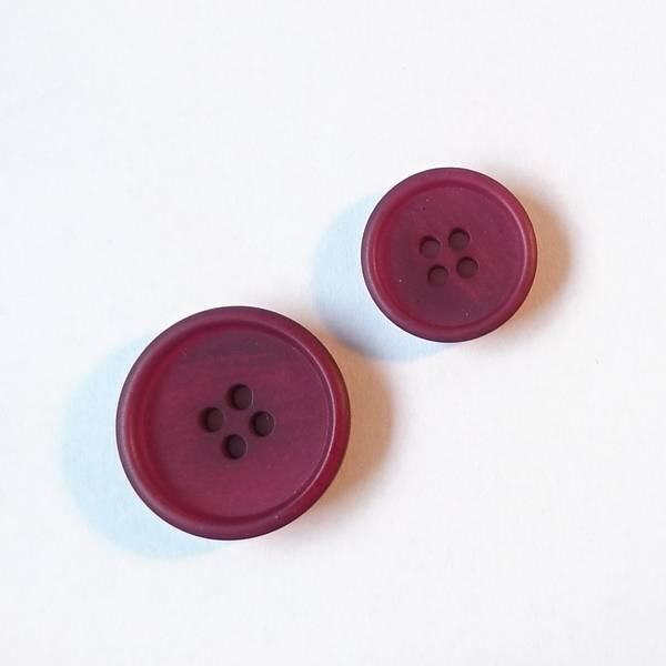 Bilde av Papir knapp, 4 hull, matt, burgunder