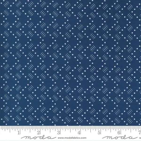Bilde av Flowers for Freya - 1 cm hvit mønster på blå