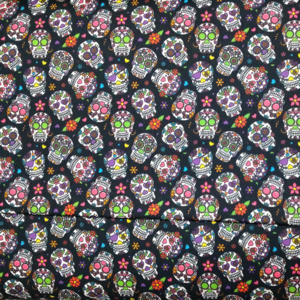 Bilde av Poplin - sort med 2 cm flerfargete hodeskaller