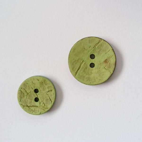 Bilde av Kokosknapp, 2 hull - limegrønn