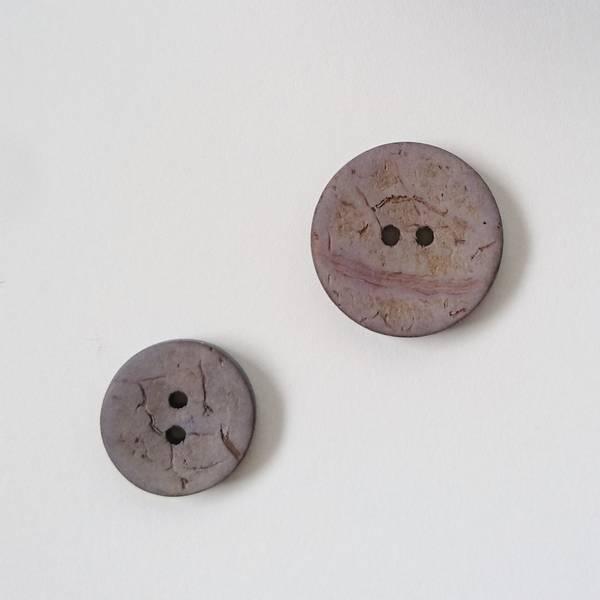 Bilde av Kokosknapp, 2 hull - lyslilla