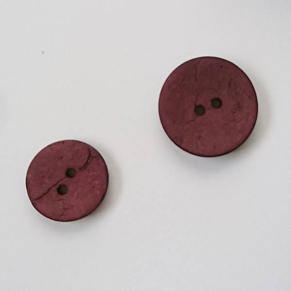 Bilde av Kokosknapp, 2 hull - vinrød