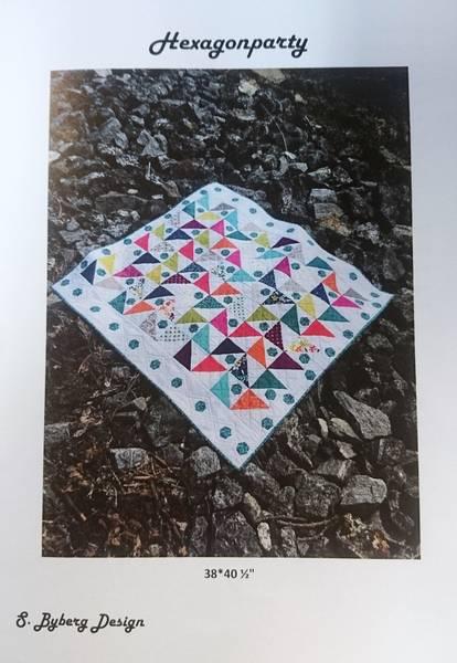 Bilde av S. Byberg Design - Hexagonparty - veggteppe/duk