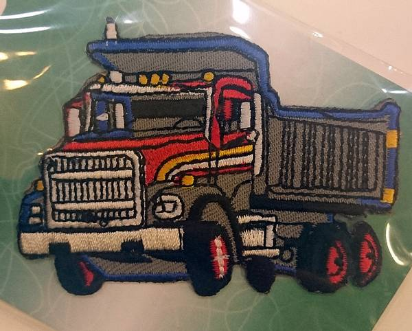 Bilde av Symerke med lim - Lastebil - 5x7 cm i grå, rød, blå