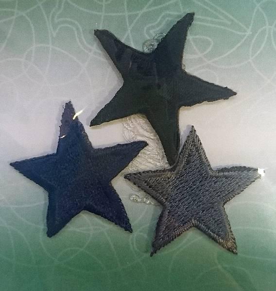 Bilde av Symerke med lim - Stjerner, 3 cm stor, 3 st marine, grå, sort
