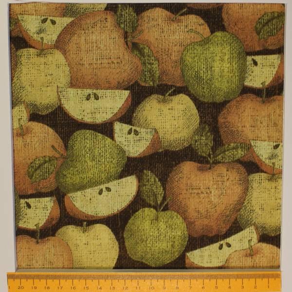 Bilde av Grønn, gul, orange epler på brun bakgrunn. 4-6 cm store epler