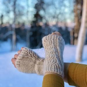 Bilde av Strikkepakke Pulsvanter Winter Twist Angoragarn