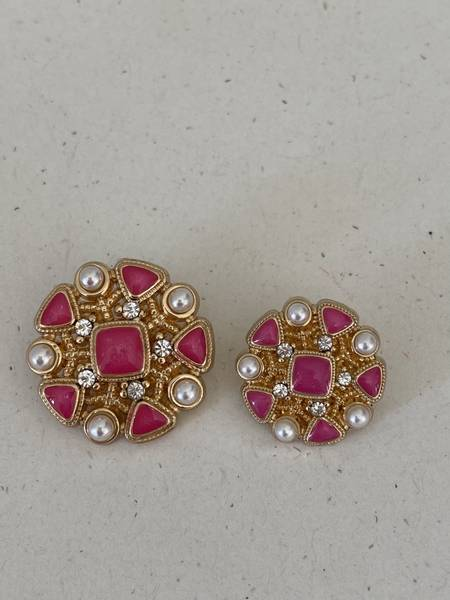 Bilde av Cerise knapp med perle og