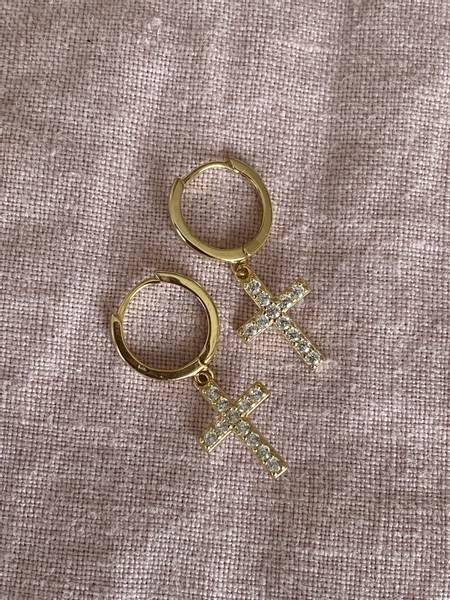 Bilde av Små øreringer med kors
