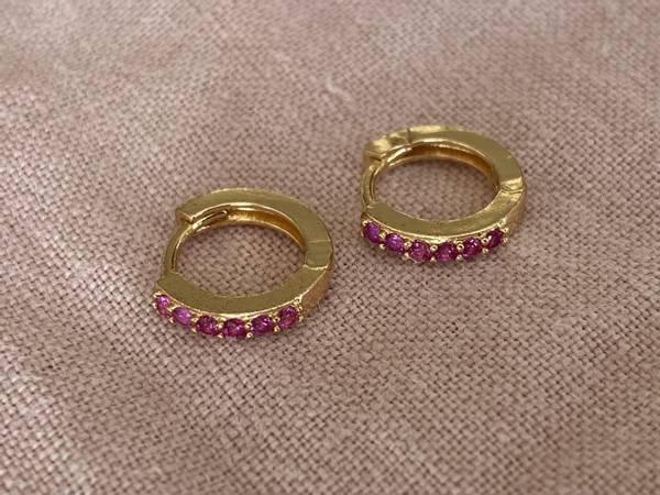 Bilde av Små øreringer med rosa stener