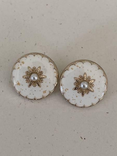 Bilde av Hvit med perle