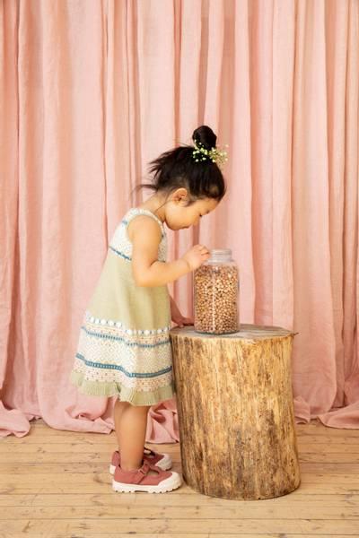 Rauma Garn 379-5 Midtsommerkjole strikkepakke