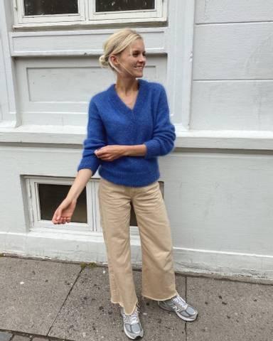 Bilde av Stockholm Sweater V-Neck - Petiteknit
