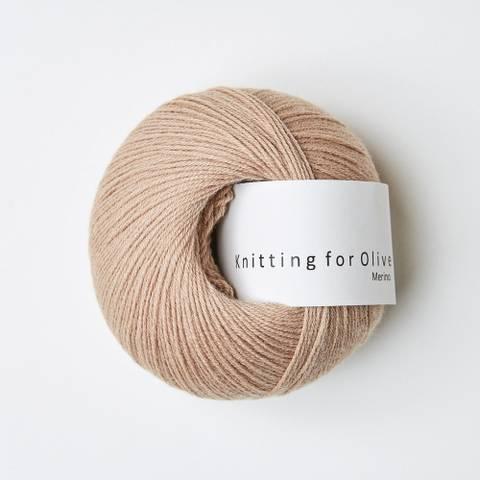 Bilde av Rosa Kamel - Knitting for Olive, Merino