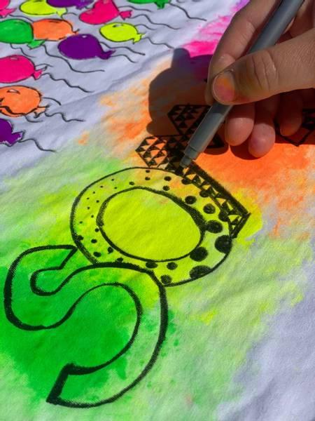Bilde av Mal din egen SOMMER T-Skjorte 3-4 år -Ink. Tekstilmaling og Tusj