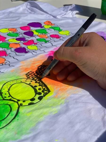 Bilde av Mal din egen SOMMER T-Skjorte,Str. L -Ink. Tekstilmaling og Tusj