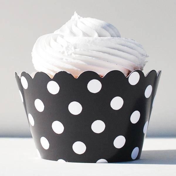 Bilde av Cupcake Wrappers svart med prikker 12 stk