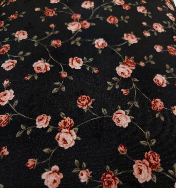 AVALANA isoli med stretch små roser på svart