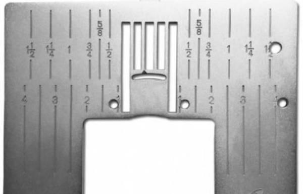 Bilde av (4L15) Stingplate for Pfaff gr J med hull til kantbåndsapparat