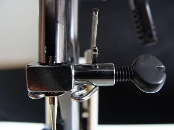 Bilde av (ib) Janome Skrue til nålklemme top load maskiner