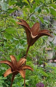 Bilde av 3D lilje stor D31x15 og 110cm høy