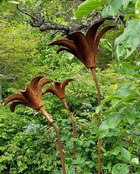 3D lilje stor D31x15 og 110cm høy