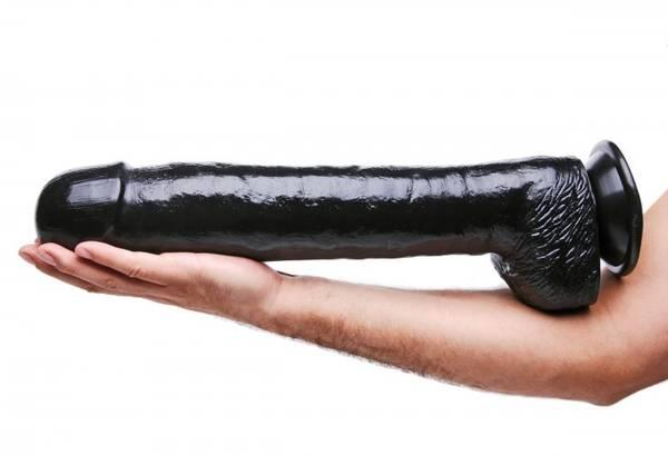 Bilde av Master Cock - The Black Destroyer - Huge 16.5 Inch Dildo