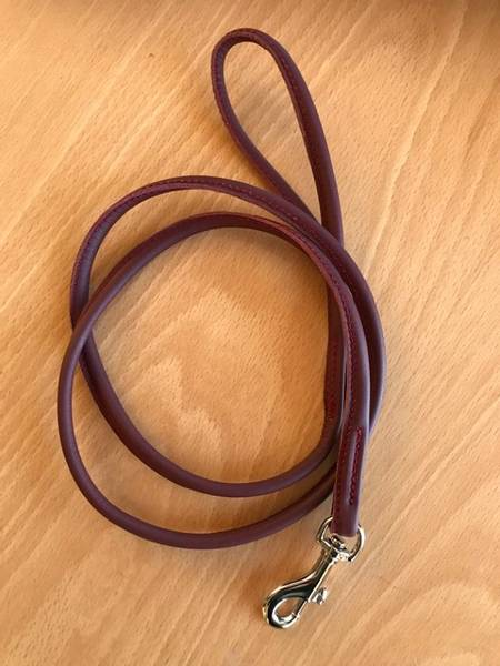 Vinrødt rundsydd skinnkobbel 110 cm