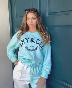 Bilde av Amy & Clo Embroidery Sweatshirt Blue