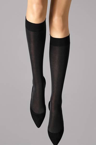 Bilde av Wolford Velvet de Luxe 50 Knee-Highs, Str S-M, Black
