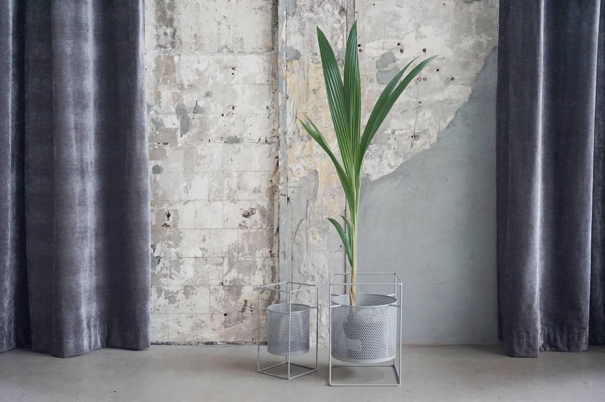 Blomsterpotte, grå, firkantet, stor