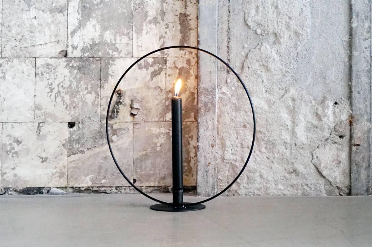 Lysestake, metall, 35 cm, sort