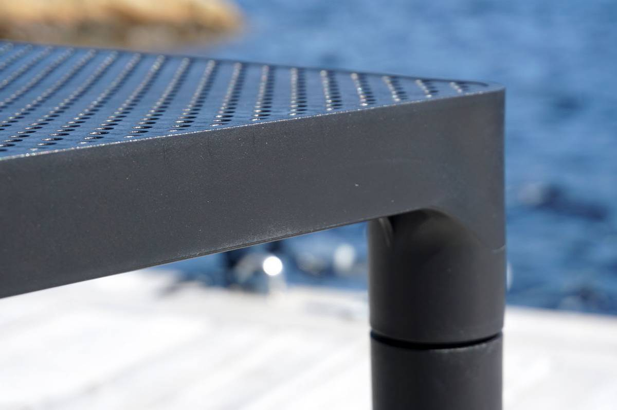 Loungebord, sort