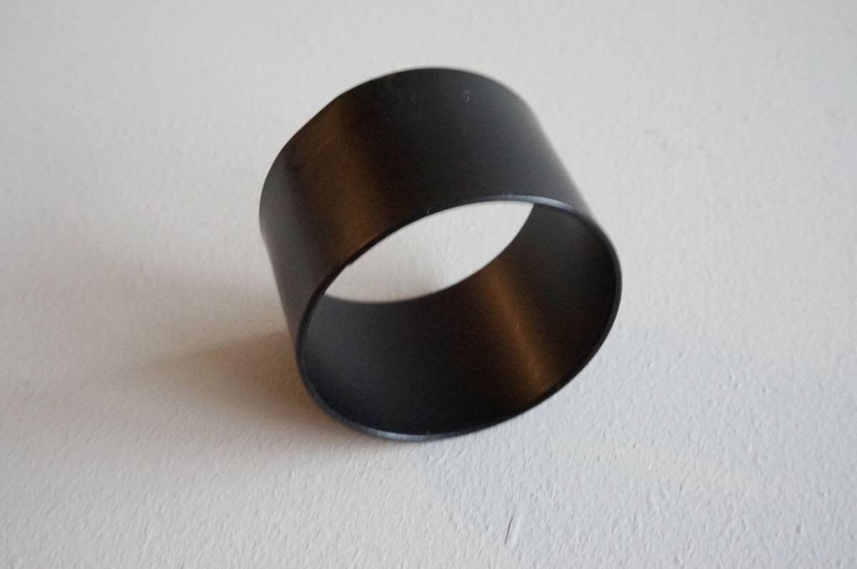 Serviettring, metall, sort, 4,5 cm