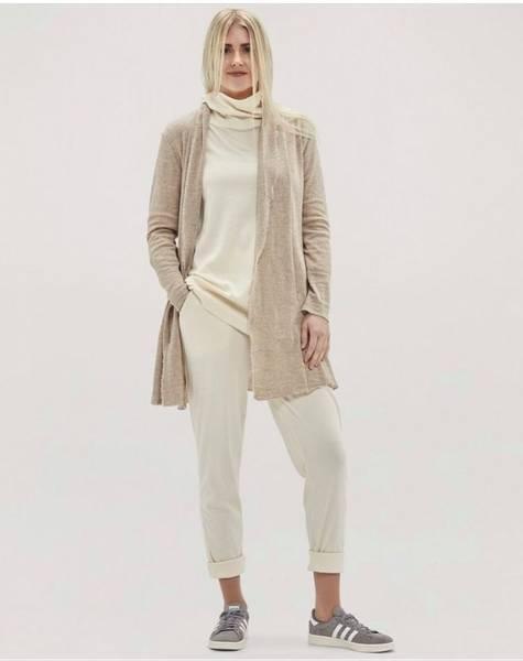 Bilde av merinoull strikket bukse med smale ben og lommer,