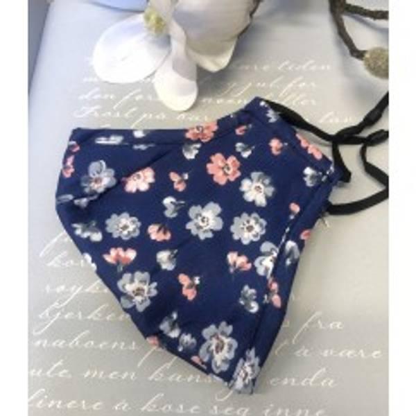 Bilde av Munnbind 3-lags Små blomster blå bakgrunn