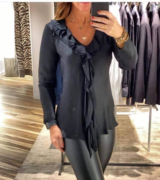 Bilde av Bluse med rysjer blå