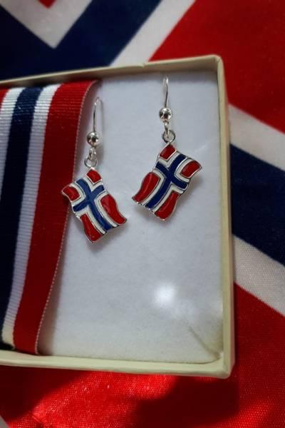 Bilde av Flaggøredobber i emalje og sølv