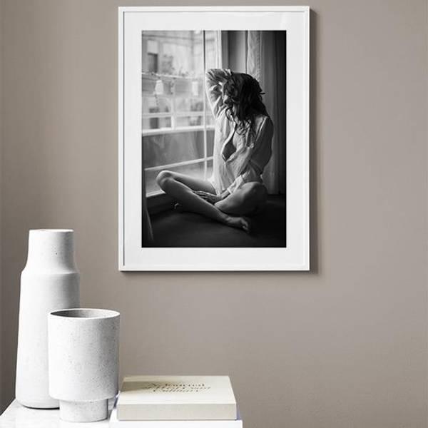 Bilde av GIRL ON FLOOR POSTER
