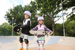 Bilde av DINOSKI Patch the Panda Helmet Cover Black/White